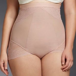 SPANX Spotlight on Lace High-Waisted Brief Rose